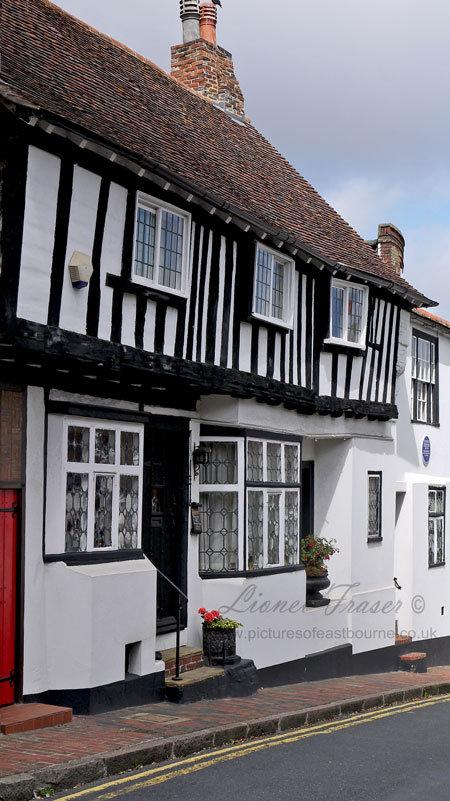330B1 Pilgrims House Eastbourne