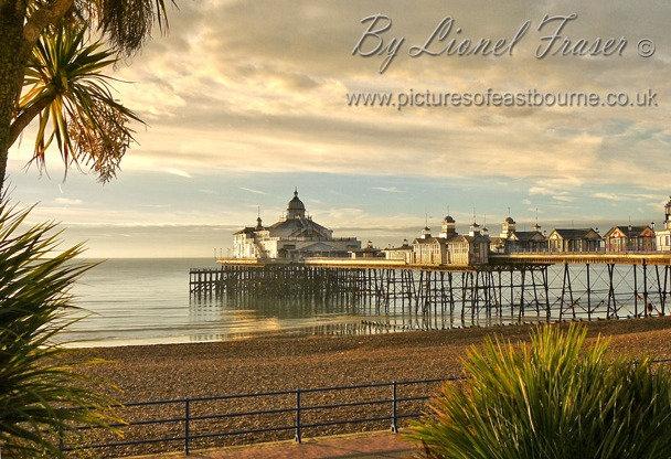 105B1 Sunrise Eastbourne Pier