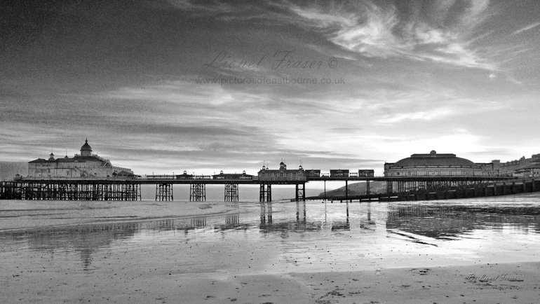 108A3BW  Eastbourne Pier Sunset