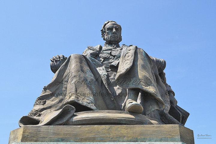 306A Statue of William, 7th Duke of Devonshire