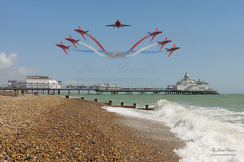 400 Red Arrows Over Eastbourne Pier