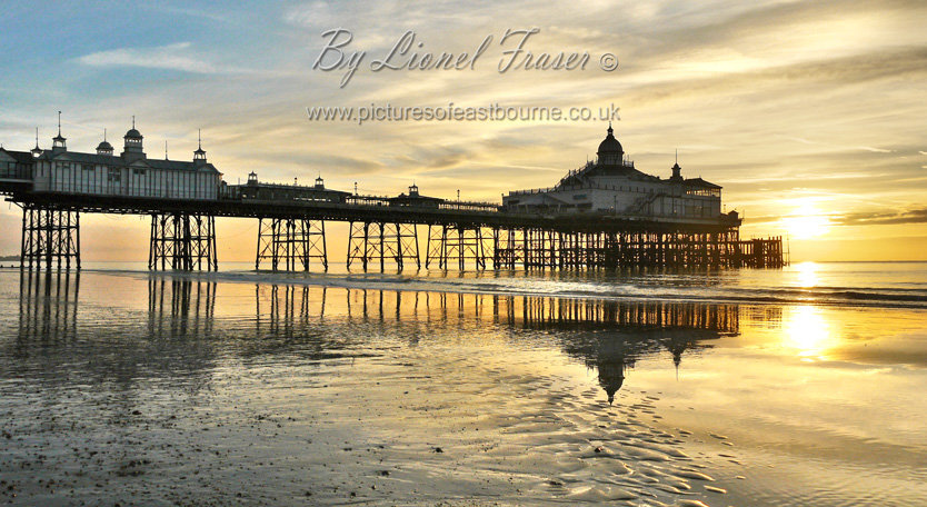 105A2A Sunrise Eastbourne Pier