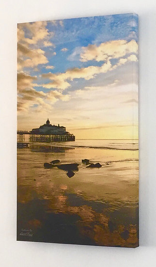 S105A9 Sunrise at Eastbourne Pier