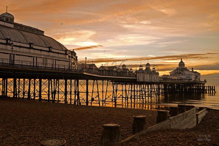 105A1 Sunrise Eastbourne Pier