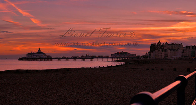 108D1 Eastbourne Pier Sunset