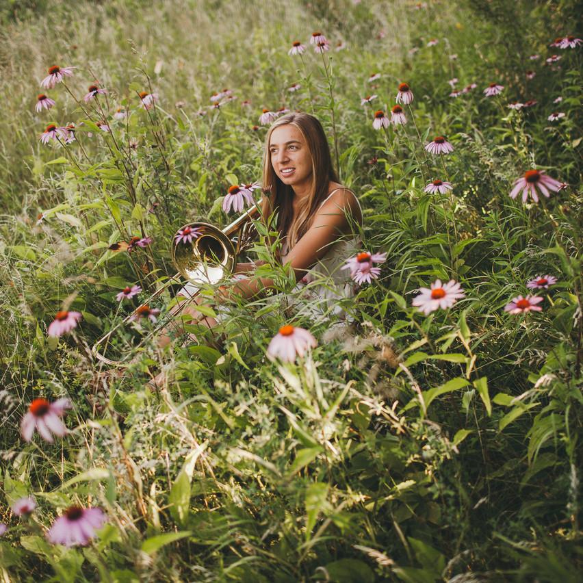 Natalie_Senior_Wildflowers (230 of 295)