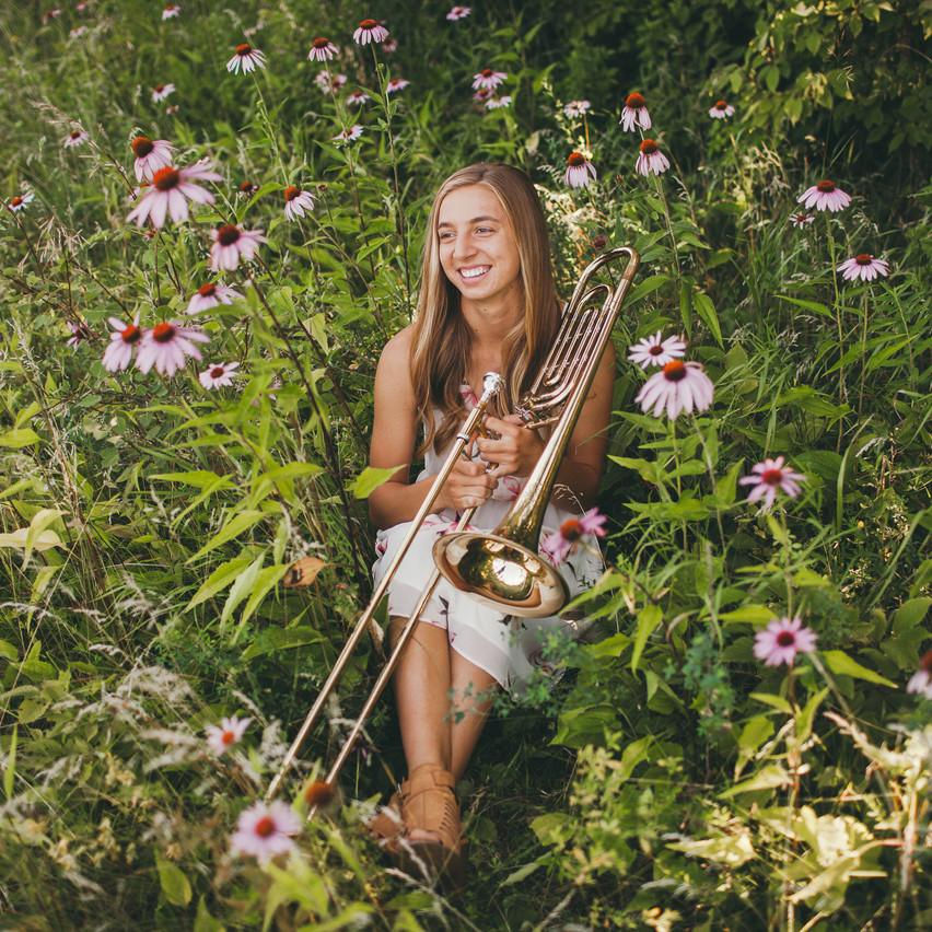 Natalie_Senior_Wildflowers (226 of 295)