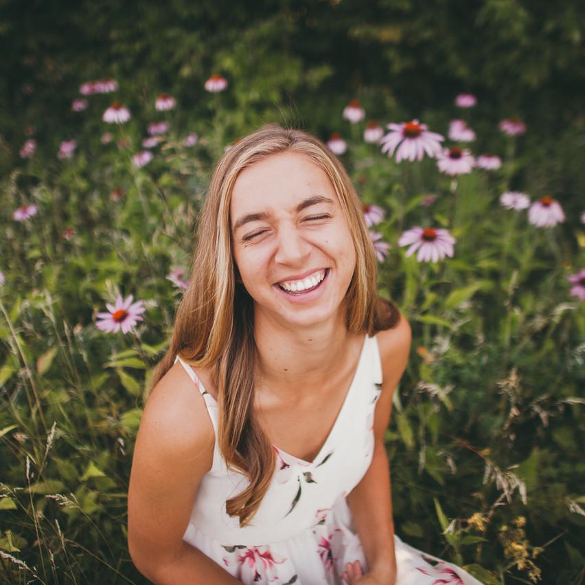 Natalie_Senior_Wildflowers (31 of 295)