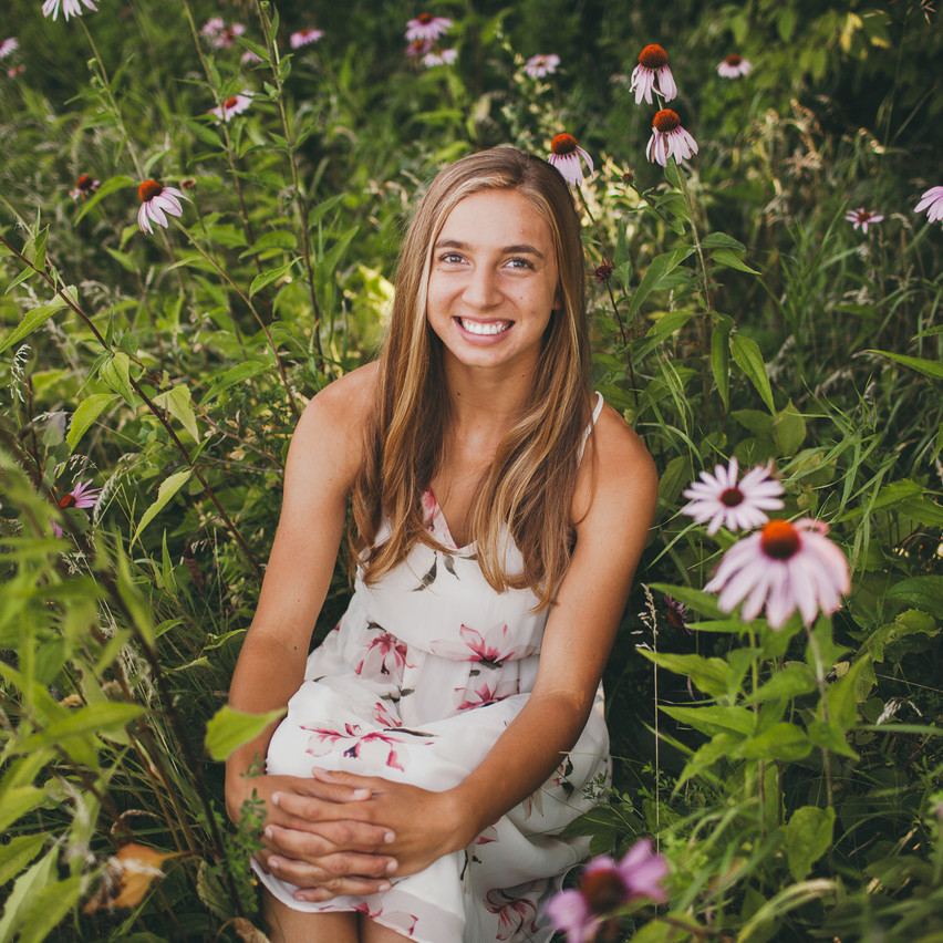 Natalie_Senior_Wildflowers (199 of 295)
