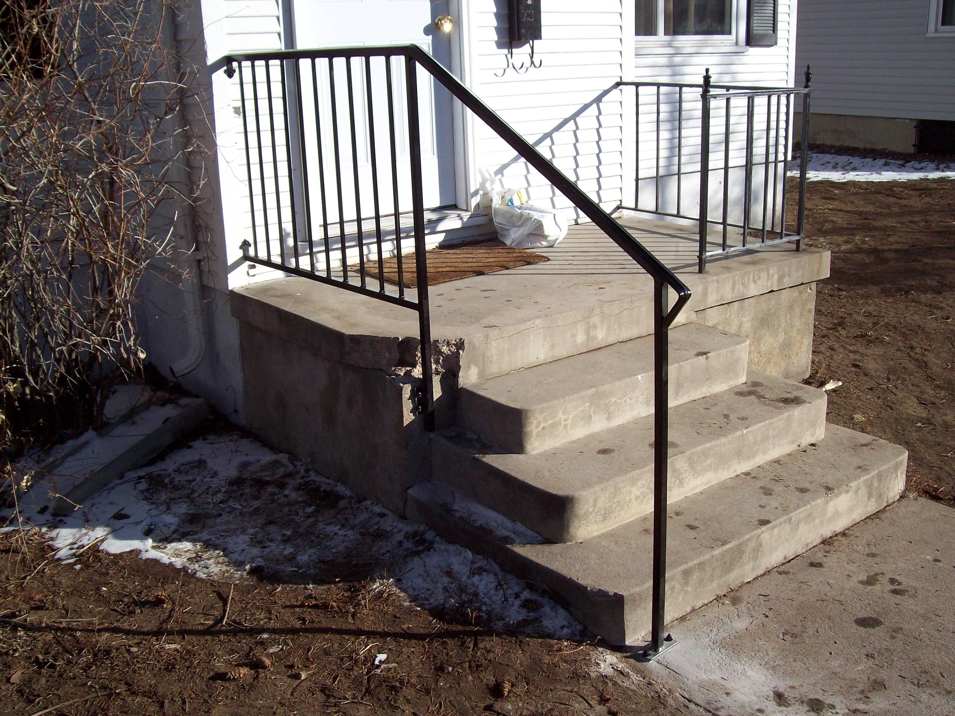 Porch rail ewith star rail one post