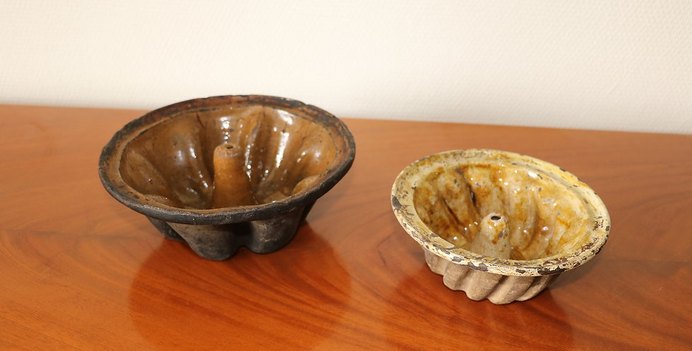 Moules (2) à Kouglof en céramique ancienne