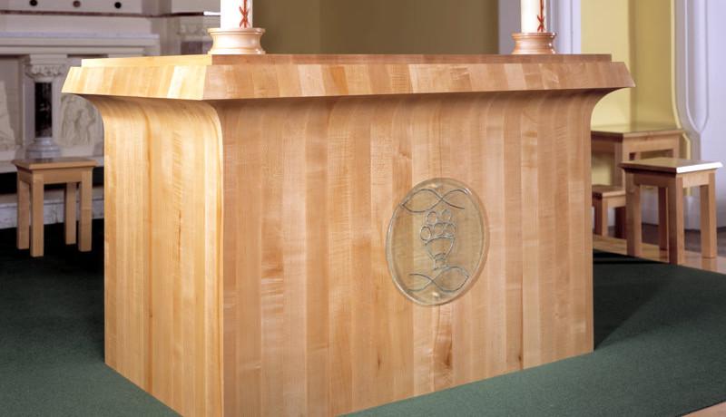 Altar | Bespoke Elegent Design