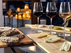 cheese_and_wine_flight_the_pickled_fig.J