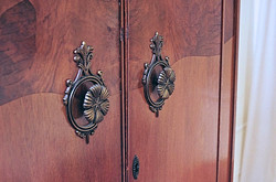 Detail of English Fitted Armoire 075_22A