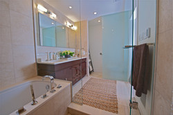 _Second Floor_Master Ensuite Bathroom_DS