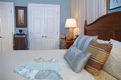 _Master Bedroom Close-Up 074_74_1 - Vers