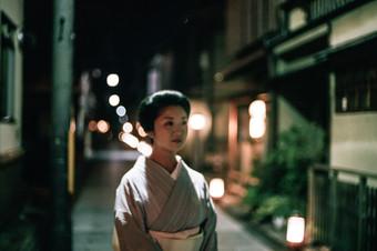 Kyoto. Japan. A Geiko in Miyagawa-cho