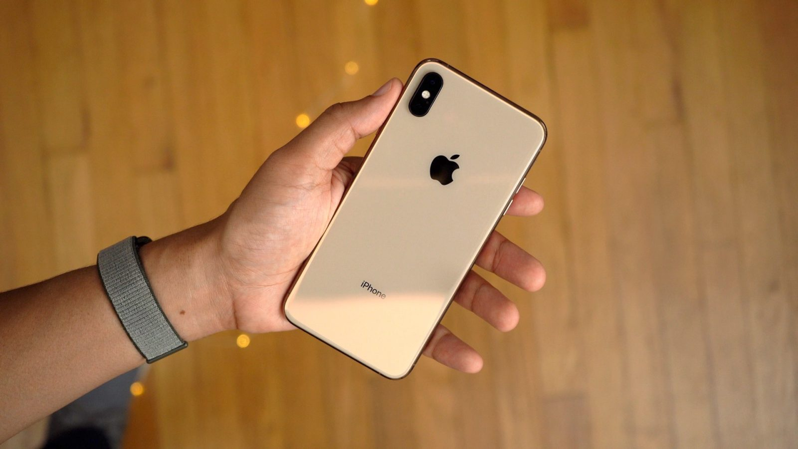 iPhone-XS-Max-Gold1