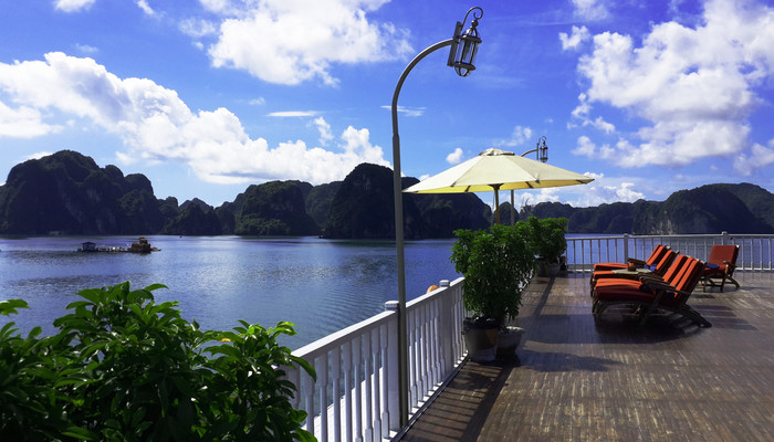 Things to do in Halong Bay- absolute must- try activities (Part 1)