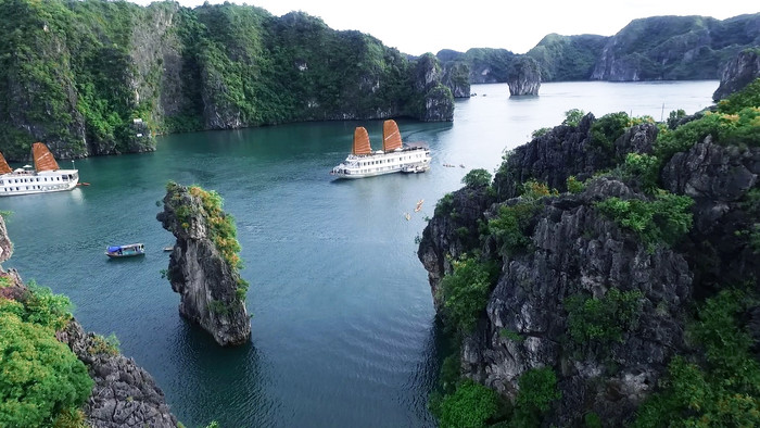 It's A Beautiful Life in Halong Bay