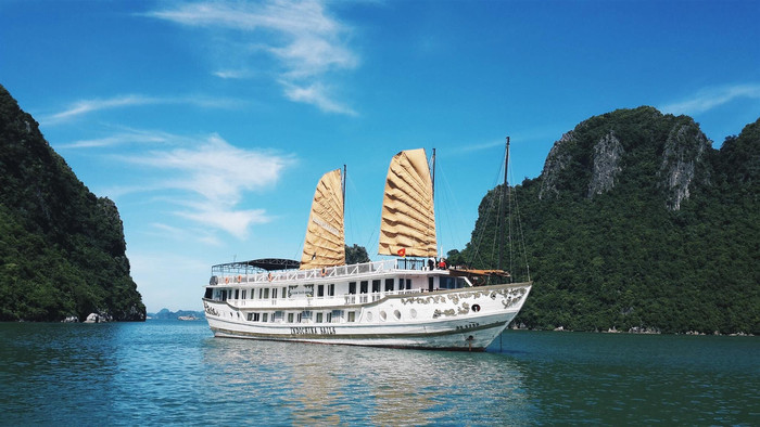Why Cruise with Indochina Sails?