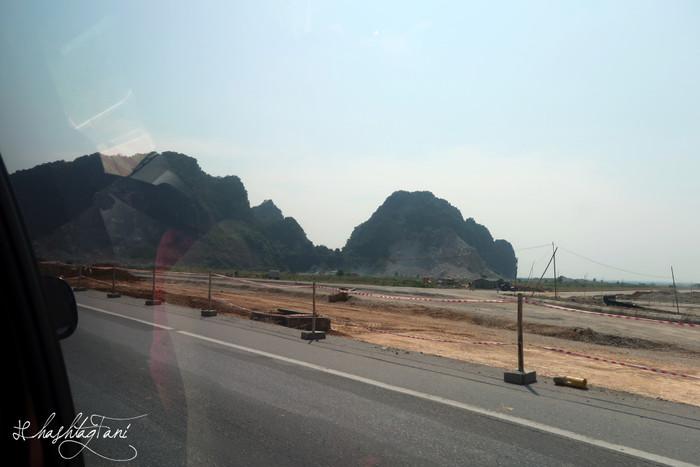 Bye bye Hanoi! Hello Halong Bay!