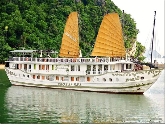 Luxurious Halong Bay Indochina Sails Junk Cruise (Part 2)