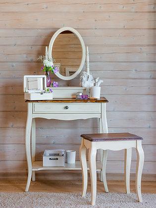 Макияжный столик с  овальным зеркалом