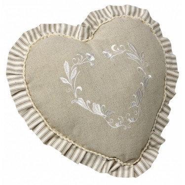 Подушка с оборками в форме сердца
