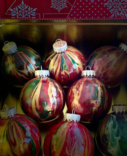 Santa Size Pack of Ornaments