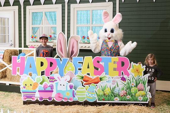 Kent Station Easter Bunny 2021-0614 (Med