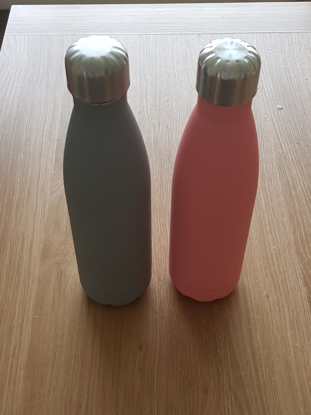 Re-usable water bottles to reduce plastic waste