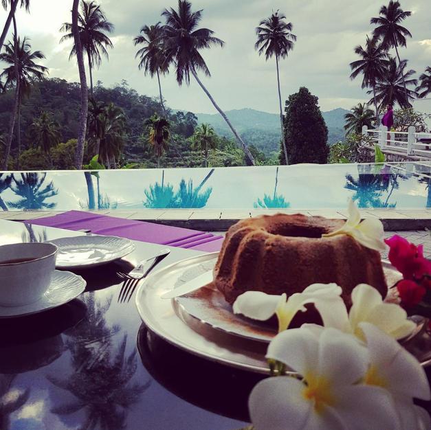 The Horseshoe: Dine Overlooking Jungle