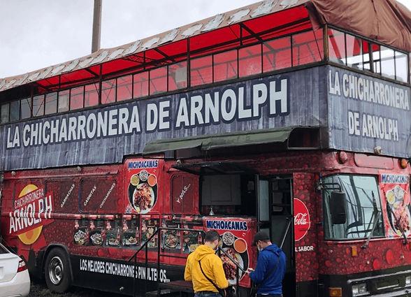 bus restaurante chicharrones y carnitas Arnolph km 20 carretera a El Salvador fraijanes frente a casa de Dios