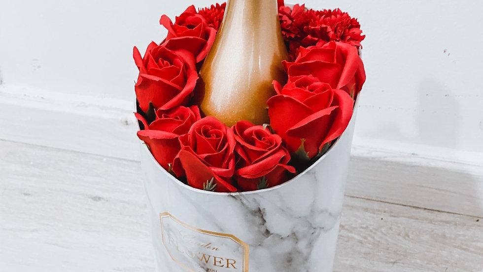 מארז פרחי סבון + יין
