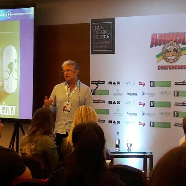Palestra no Arnold Conference 2016