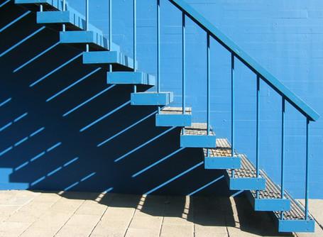 No hay ascensor para el éxito       debemos usar las escaleras