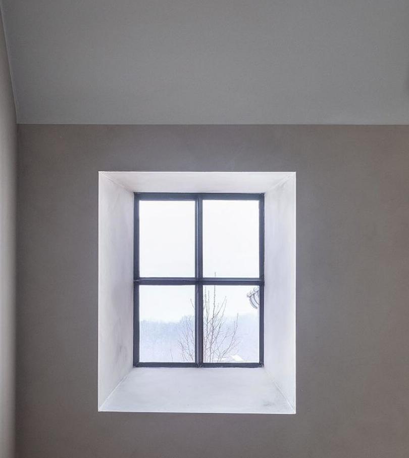 Vast stalen raam buitenschrijnwerk