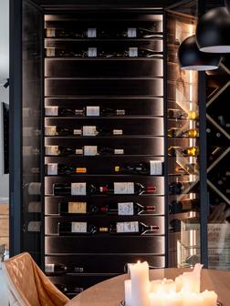 Stalen wijnkast horizontale verdeling