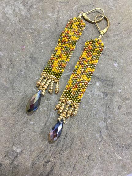 Embellished columns earrings