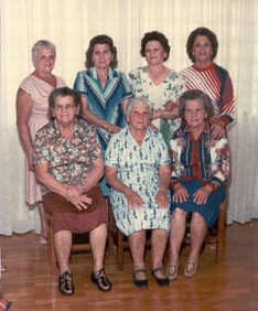Da esquerda para a direita Em pé : Antenisca,  Anita, Mafalda e Olga Malagoli Sentadas : Suzana, Luiza e Druziana Malagoli