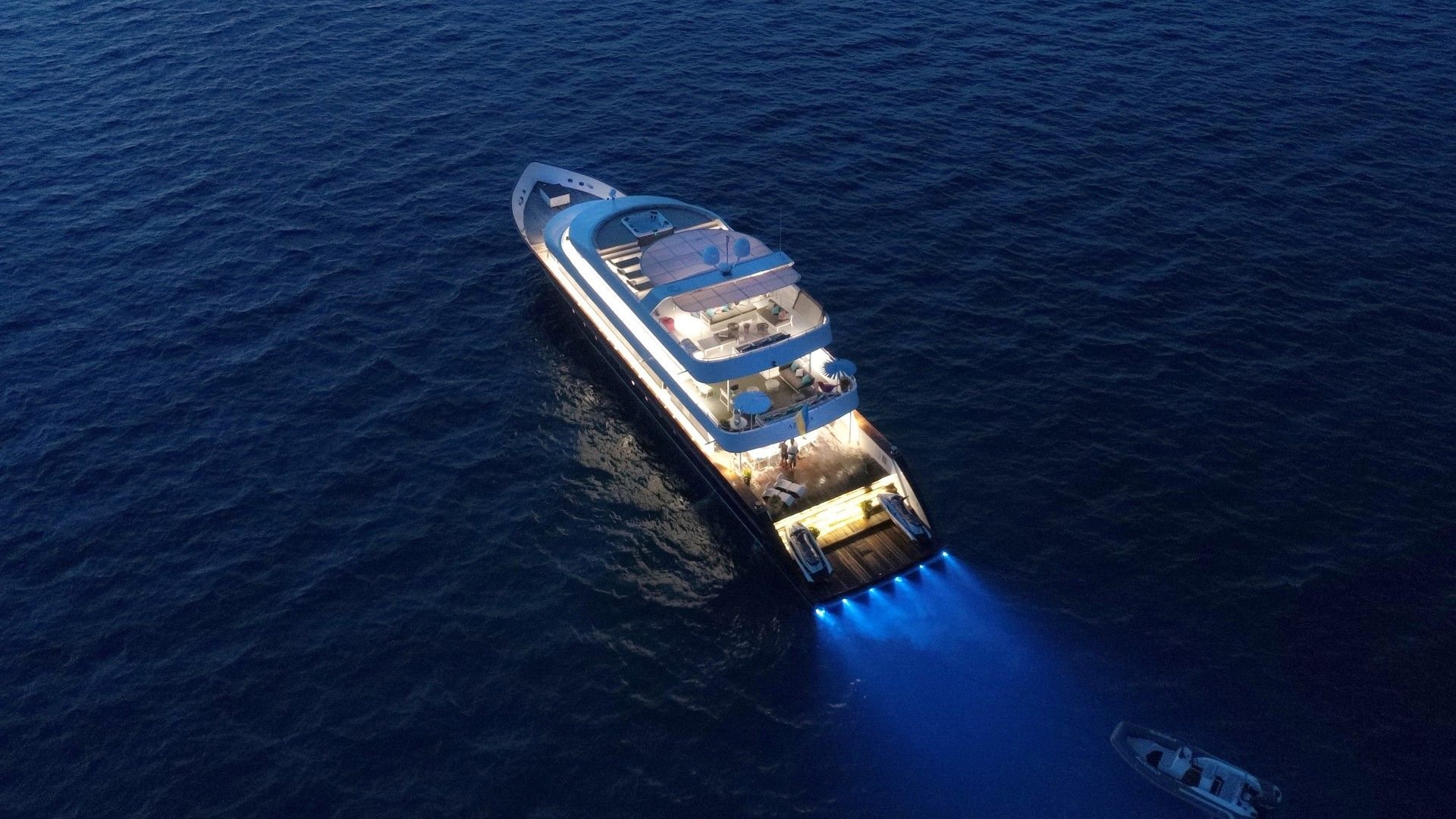 Azalea Yacht 2 (Large)