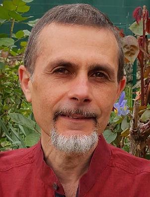Eric Zaoui professeur de yoga praticien massage ayurvedique