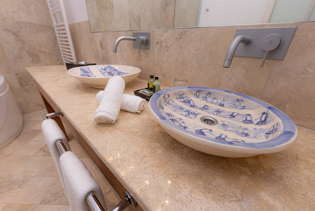 Cassa Lepage bathroom