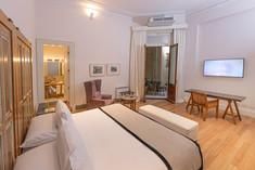 Cassa Lepage Master Suite