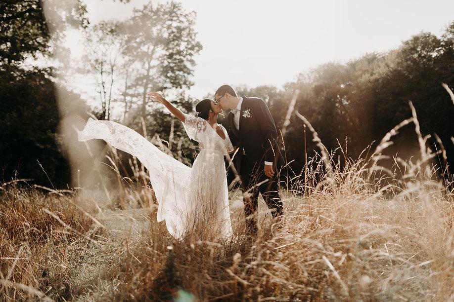 séance photo couple mariage champetre chic