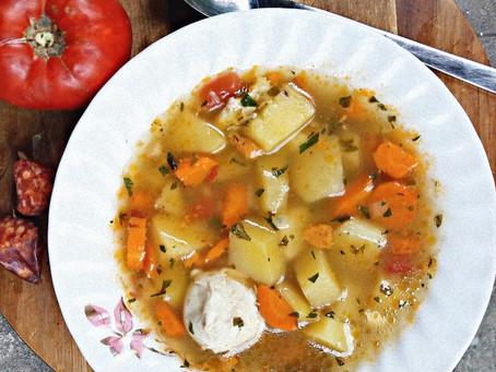 Supă de cartofi cu ouă fierte