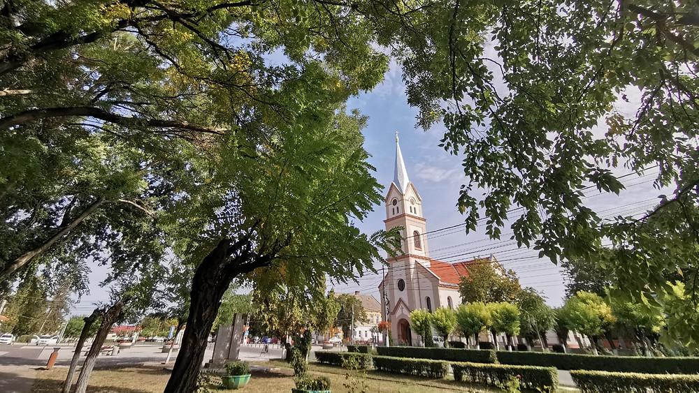 """Biserica Romano-Catolică """"Sfântul Wendelin"""" din Jimbolia - Fotografie de Cristina Dema"""