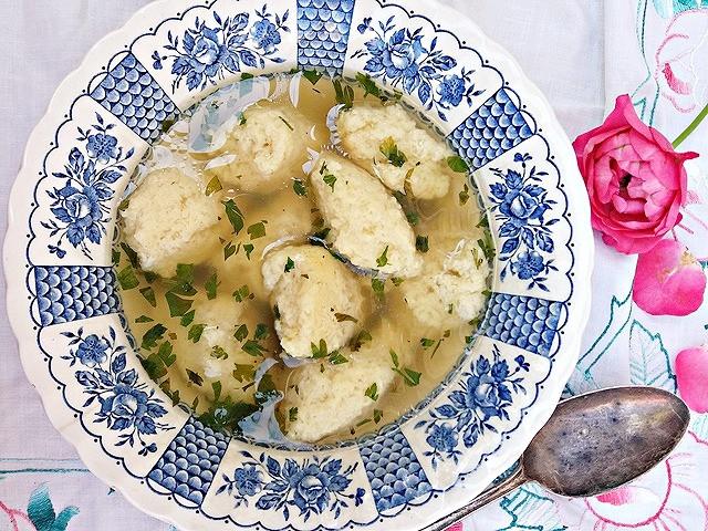 Supă cu găluște - Fotografie: Oana Pavăl (Bîrgăoanu)