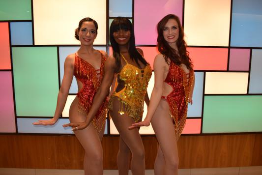 17.12.19. Show girl pics Russel Sq (17).